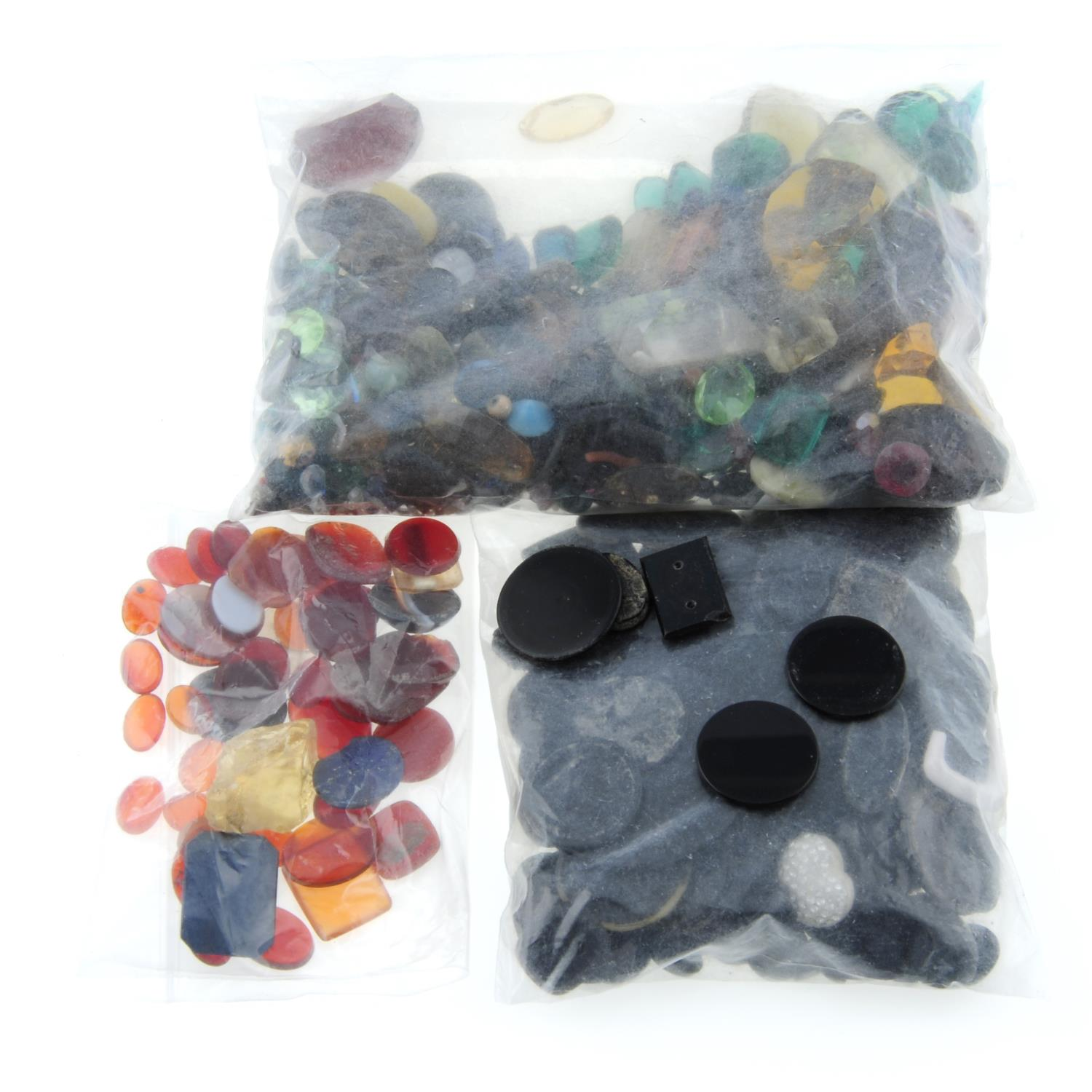 A selection of gemstones, weighing 1.1kgs, to include quartz, topaz, bloodstone and others. - Image 3 of 3