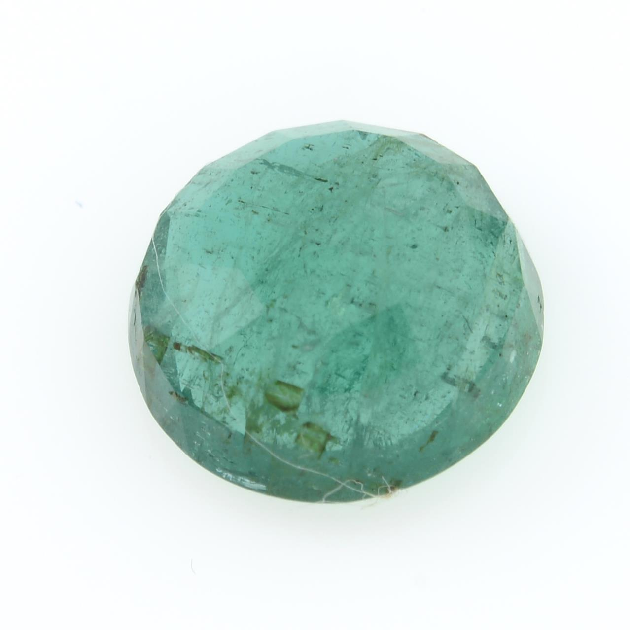 A circular shape emerald, weighing 2.43ct. - Image 2 of 2
