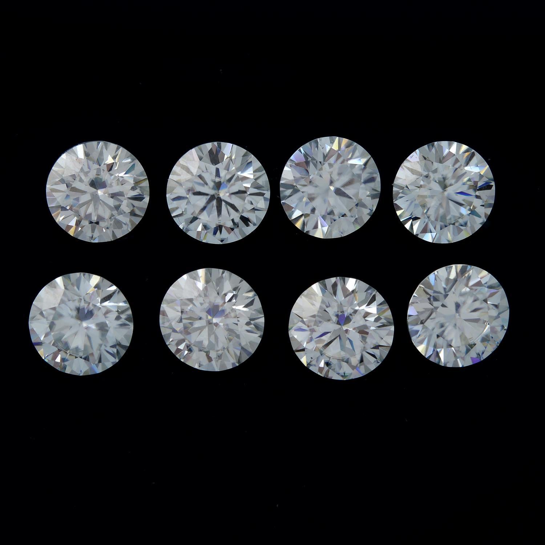 Eight circular-shape synthetic moissanite,