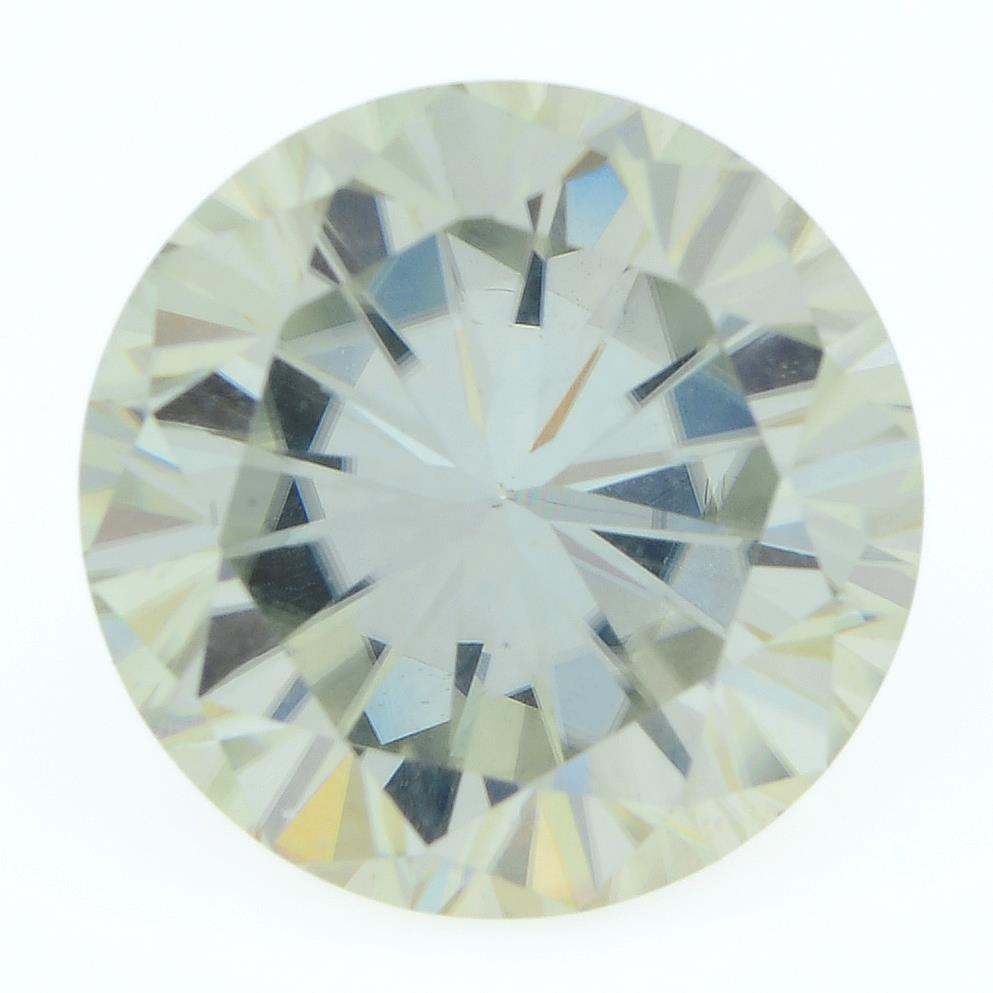 A circular-shape synthetic moissanite, weighing 5.08cts.