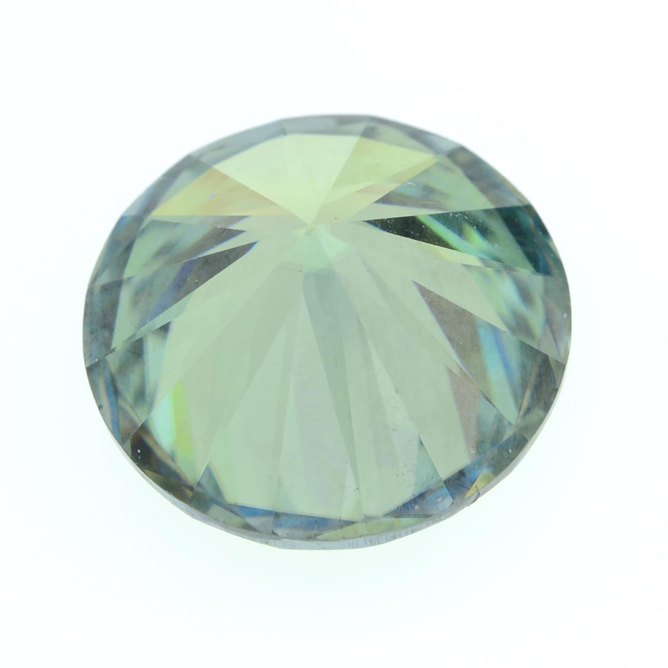 A circular-shape green moissanite. - Image 2 of 2