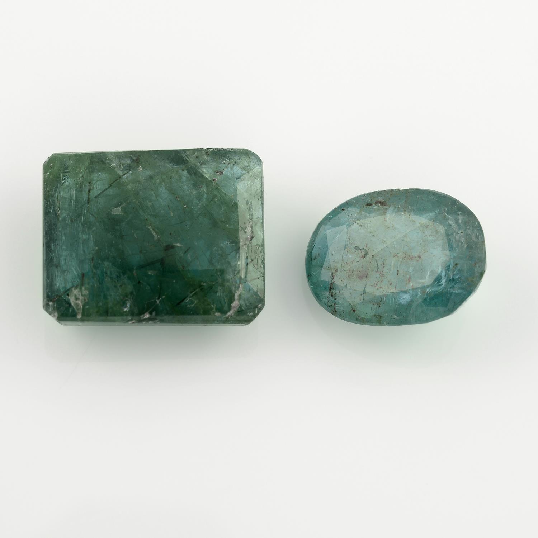 Two vari-shape emeralds, weighing 10.60ct.