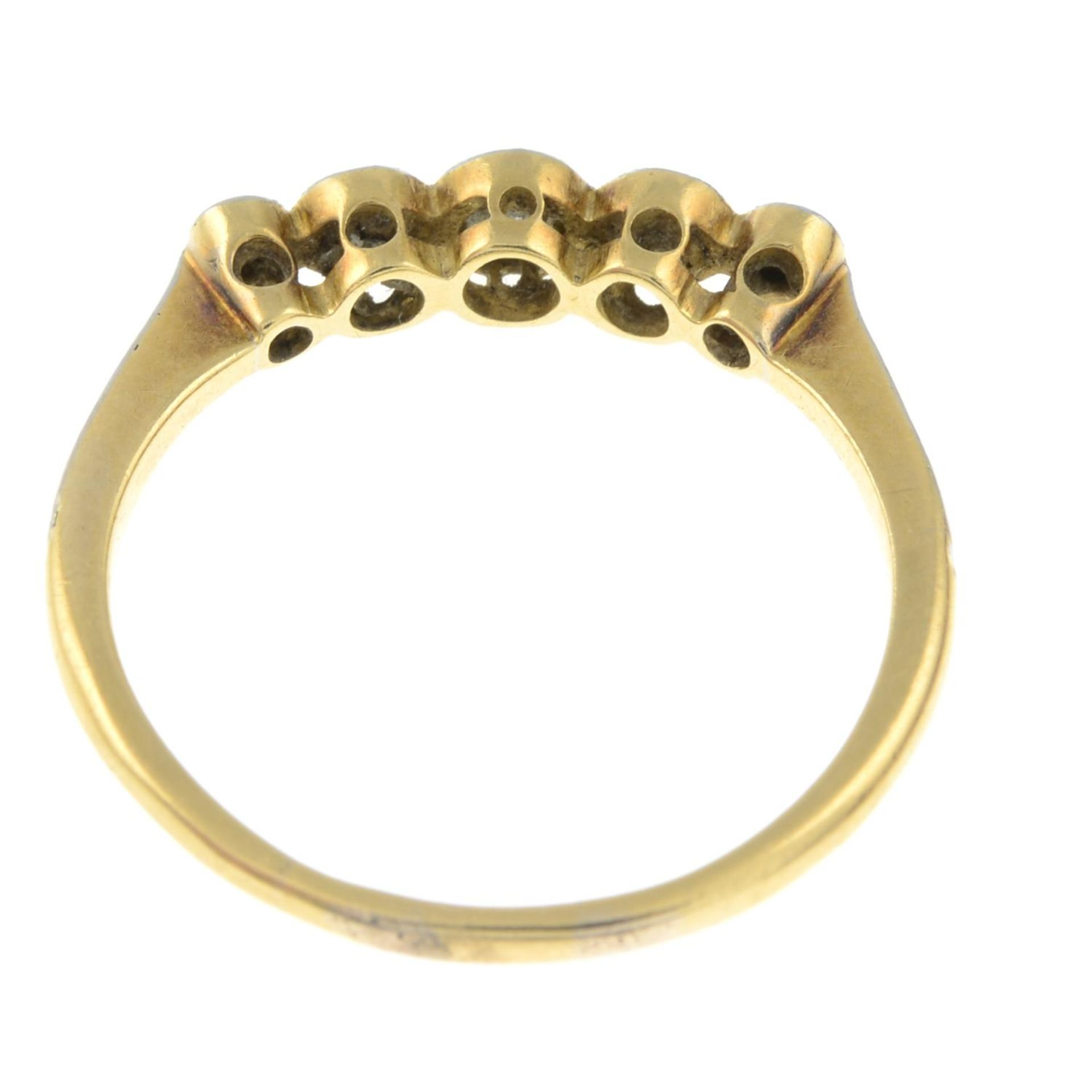 A diamond five-stone ring.Estimated total diamond weight 0.20ct. - Bild 3 aus 3