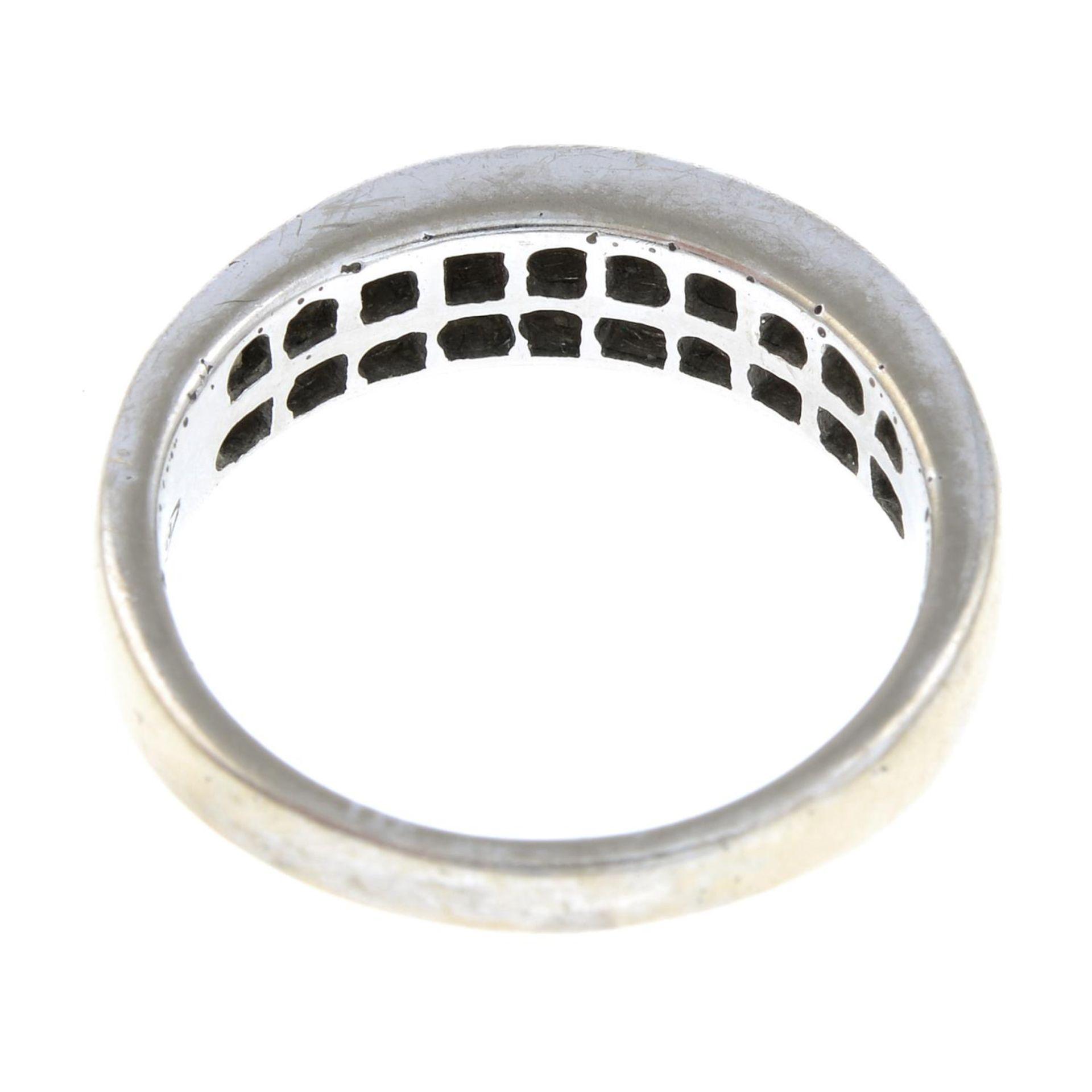 A brilliant-cut diamond two-row half eternity ring.Estimated total diamond weight 0.6c0t. - Bild 3 aus 3
