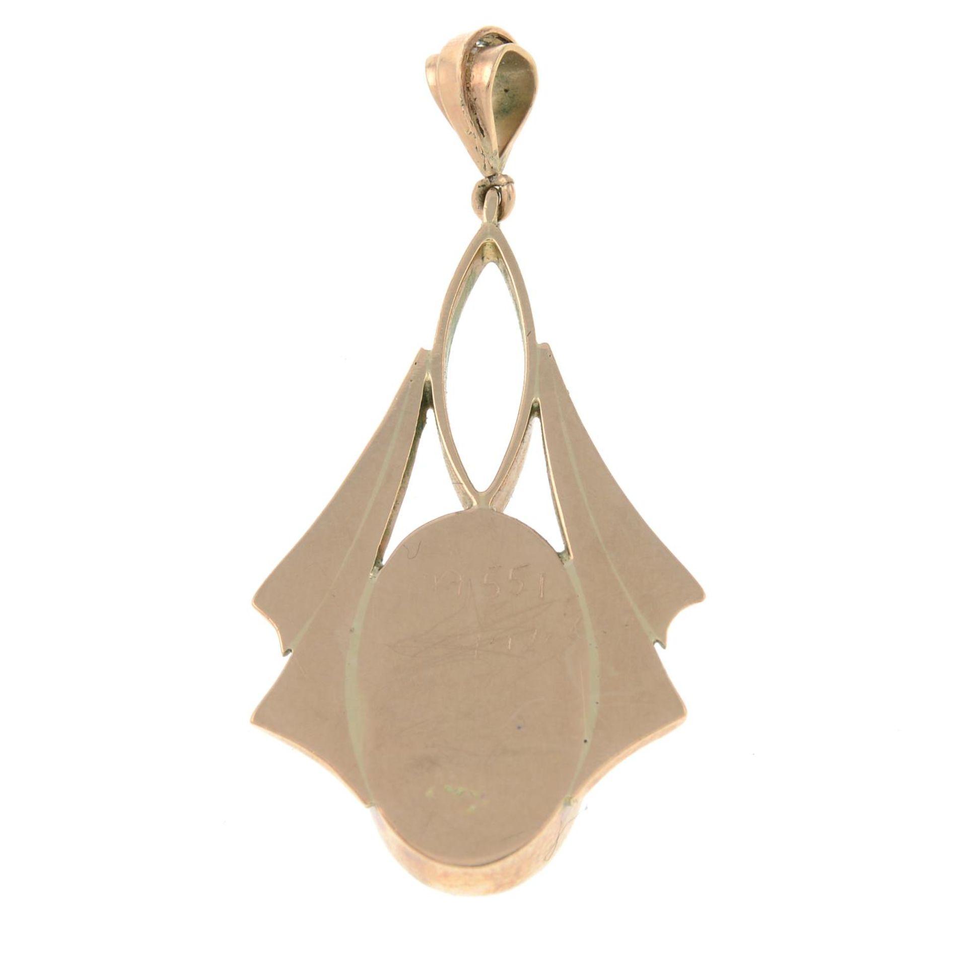 An early 20th century gold opal pendant.Length 3.7cms. - Bild 2 aus 2