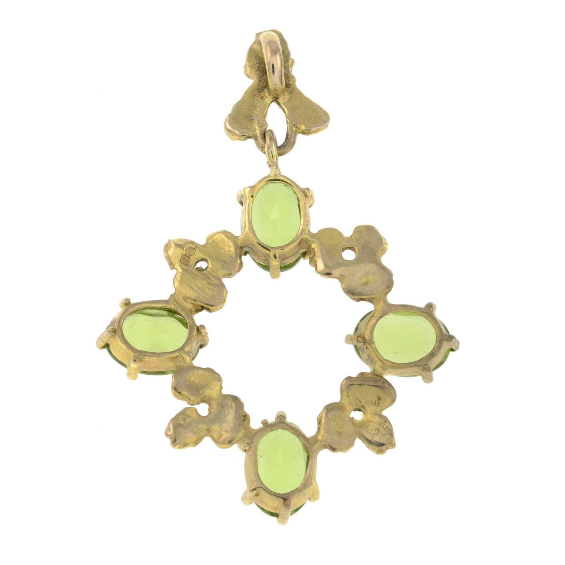 A 1970s 9ct gold peridot pendant, by Cropp & Farr.Hallmarks for London, 1976. - Bild 2 aus 2