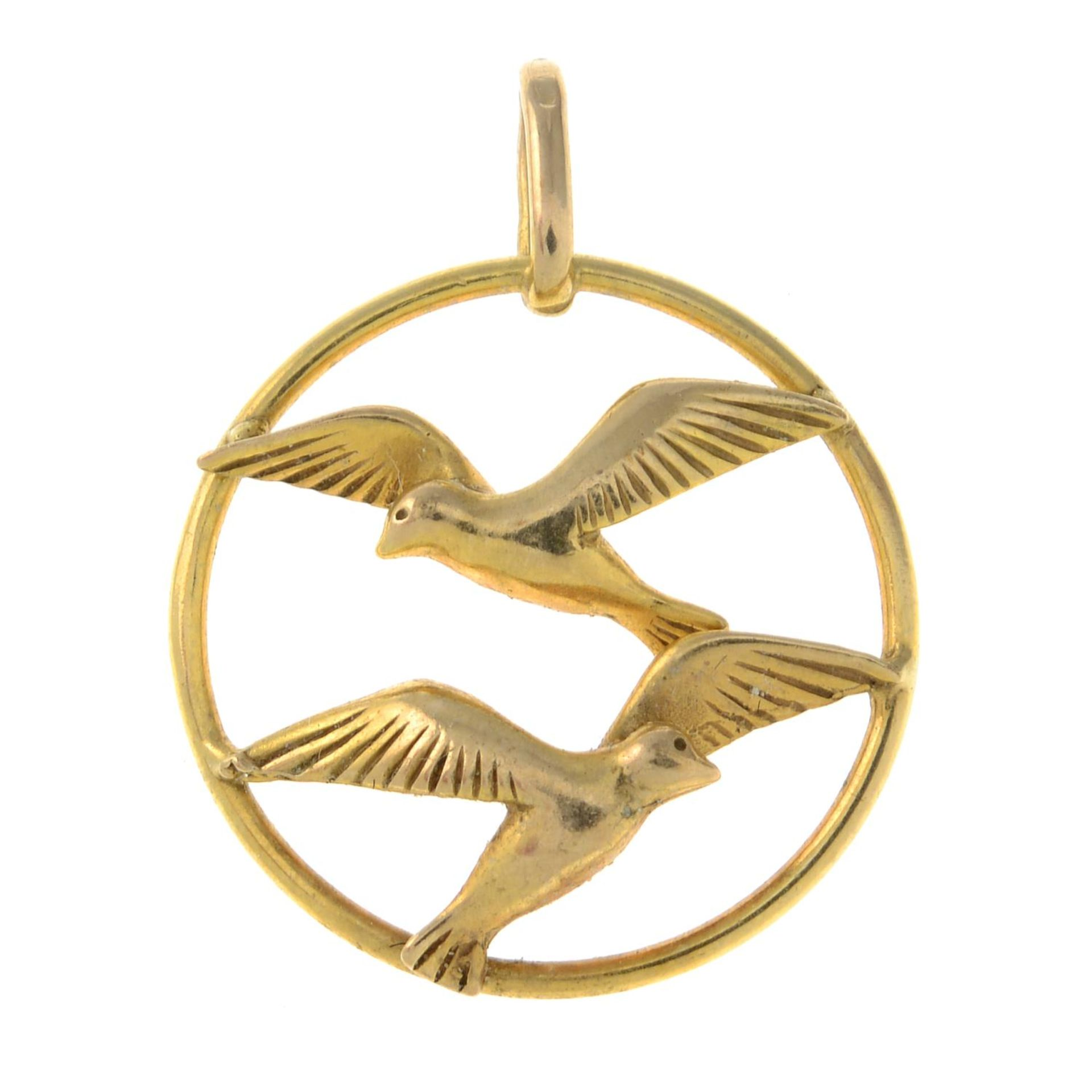 A 9ct gold openwork pendant, designed to depict two birds in flight.Import marks for 9ct gold.