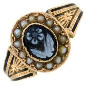 A late Victorian 15ct gold carved agate,