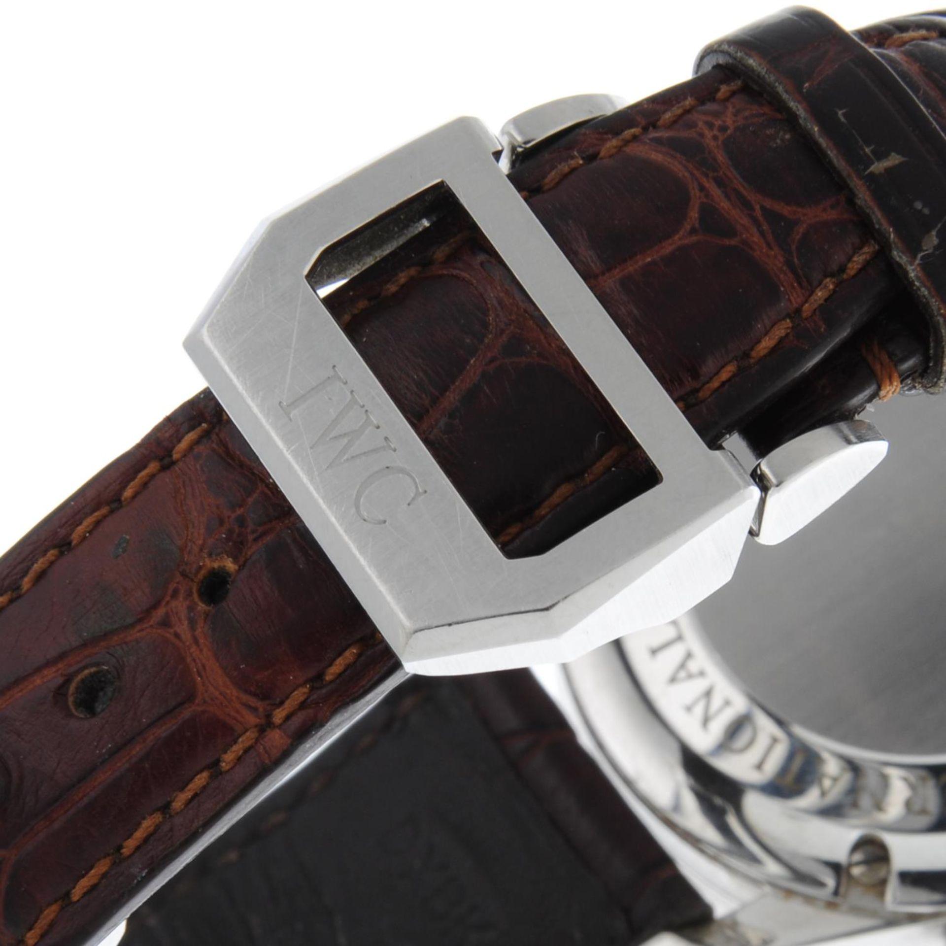 IWC - a Portuguese chronograph wrist watch. - Bild 2 aus 6