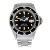 ROLEX - an Oyster Perpetual Submariner bracelet watch.