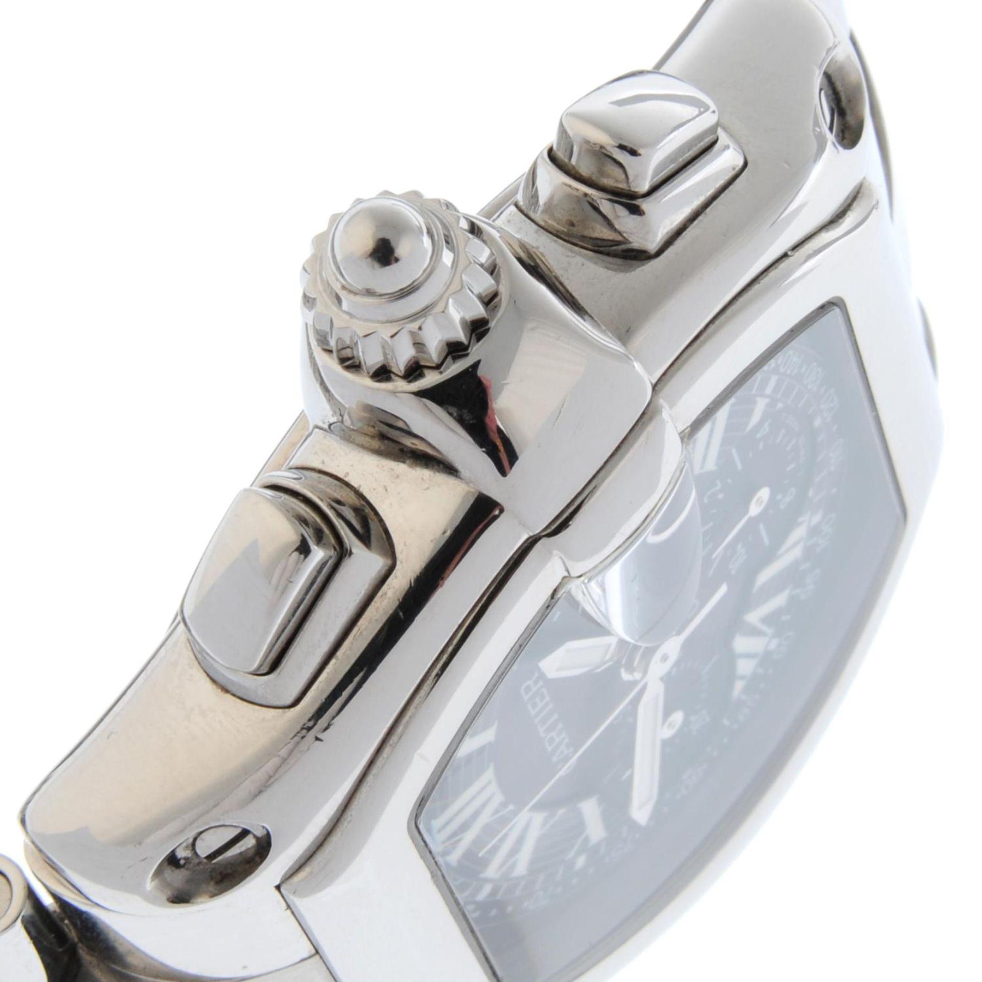 CARTIER - a Roadster XL chronograph bracelet watch. - Bild 4 aus 6