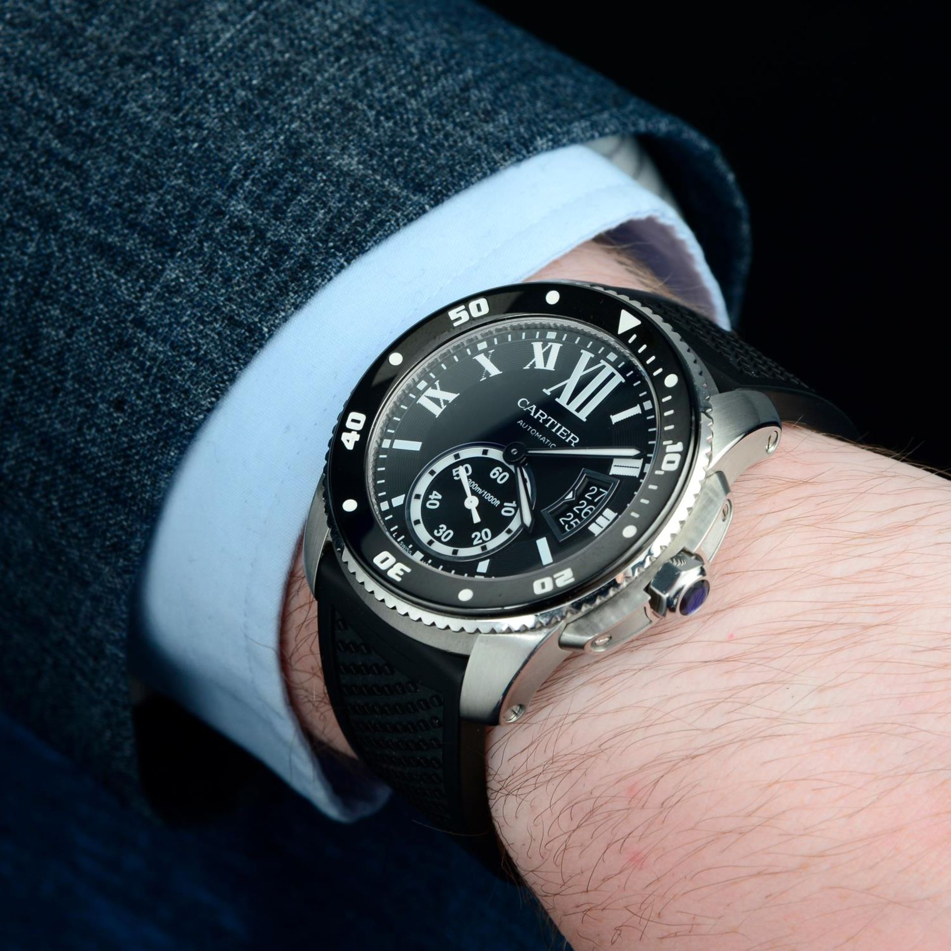 CARTIER - a Calibre de Cartier wrist watch. - Bild 3 aus 6