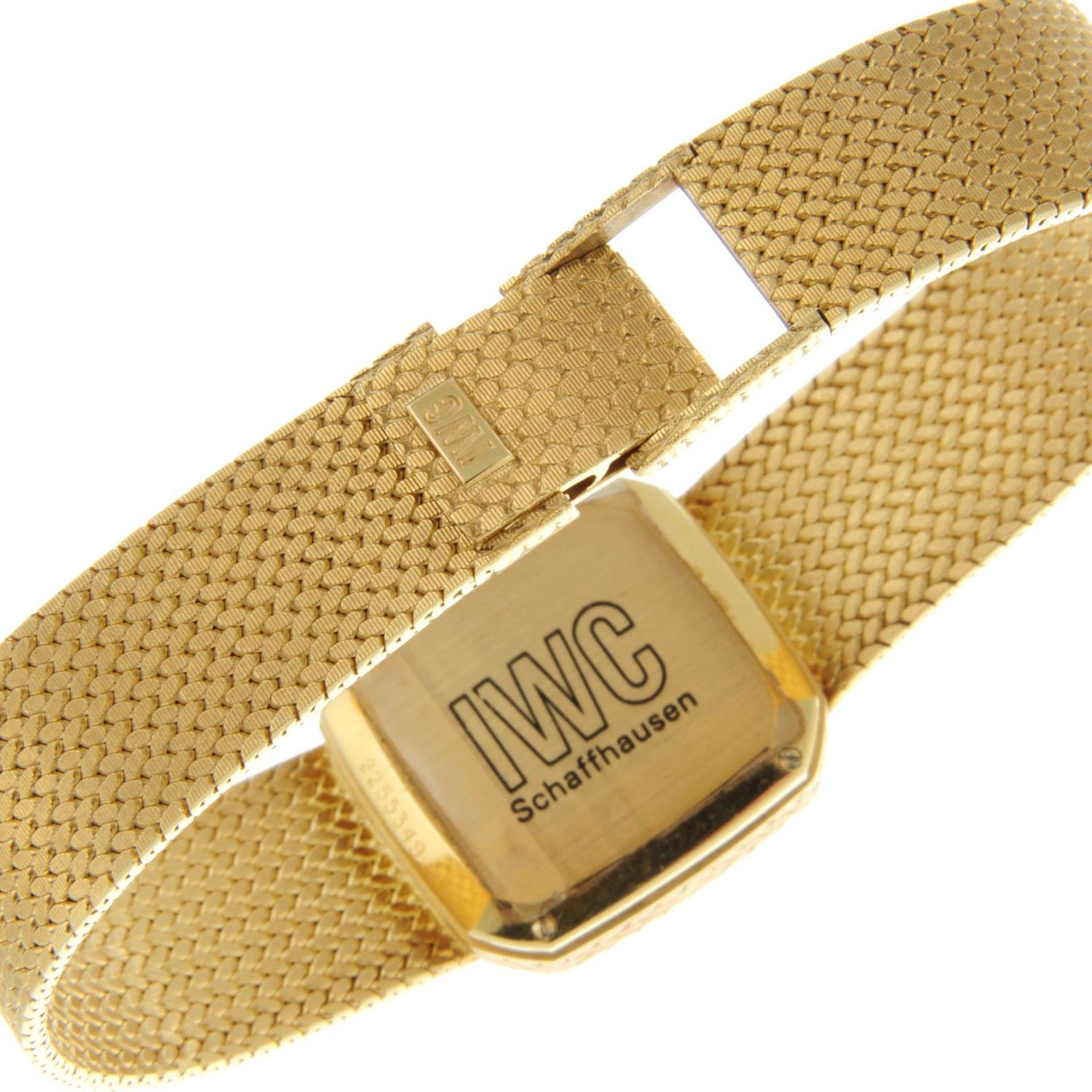 IWC - a bracelet watch. - Bild 2 aus 5