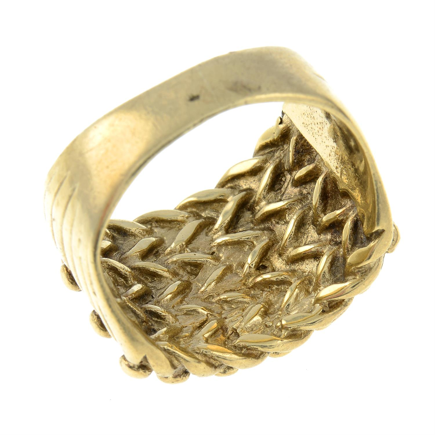 A gentleman's ring. - Image 3 of 3