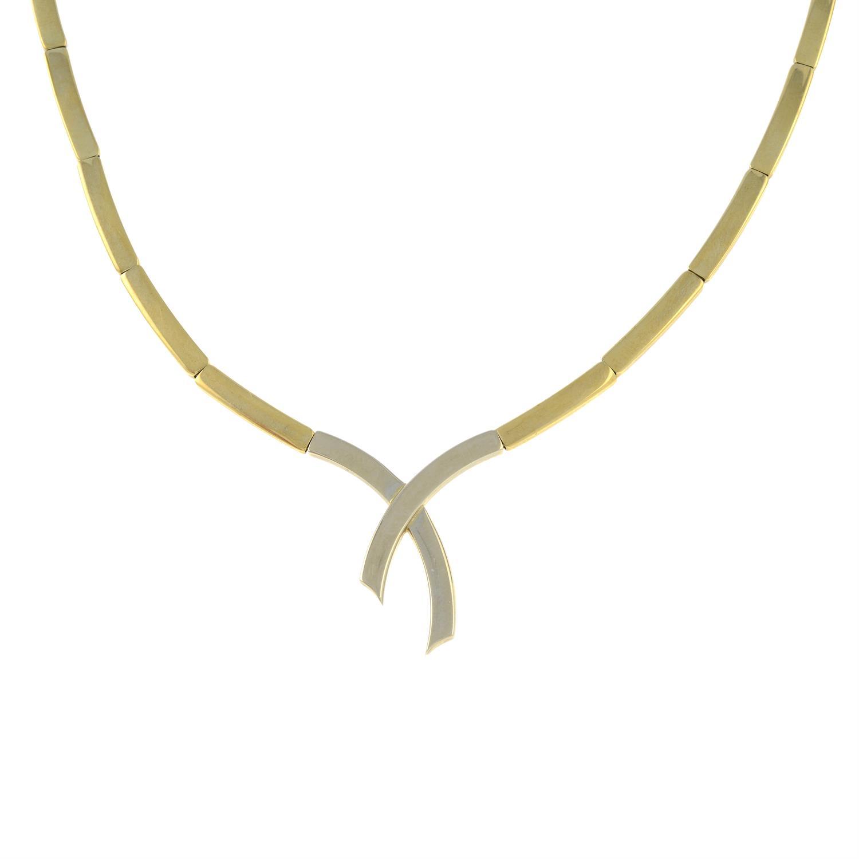 A 9ct gold bi-colour necklace.