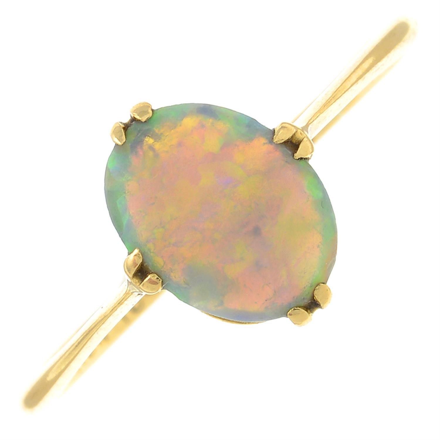 An early 20th century 18ct gold opal single-stone ring.