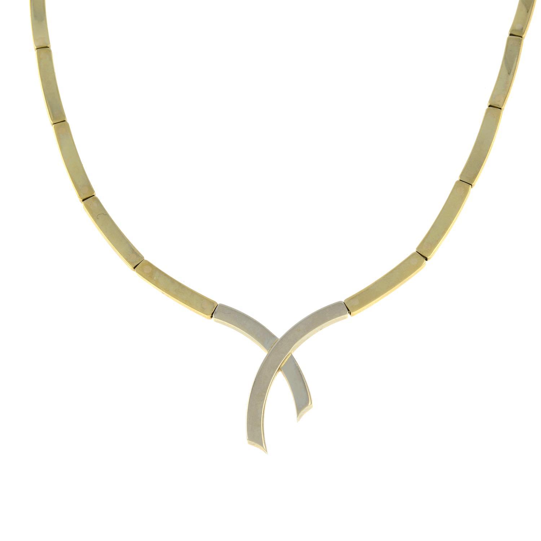 A 9ct gold bi-colour necklace. - Image 2 of 3