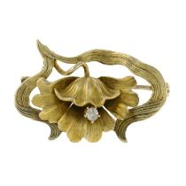 An Art Nouveau gold brilliant-cut diamond brooch.