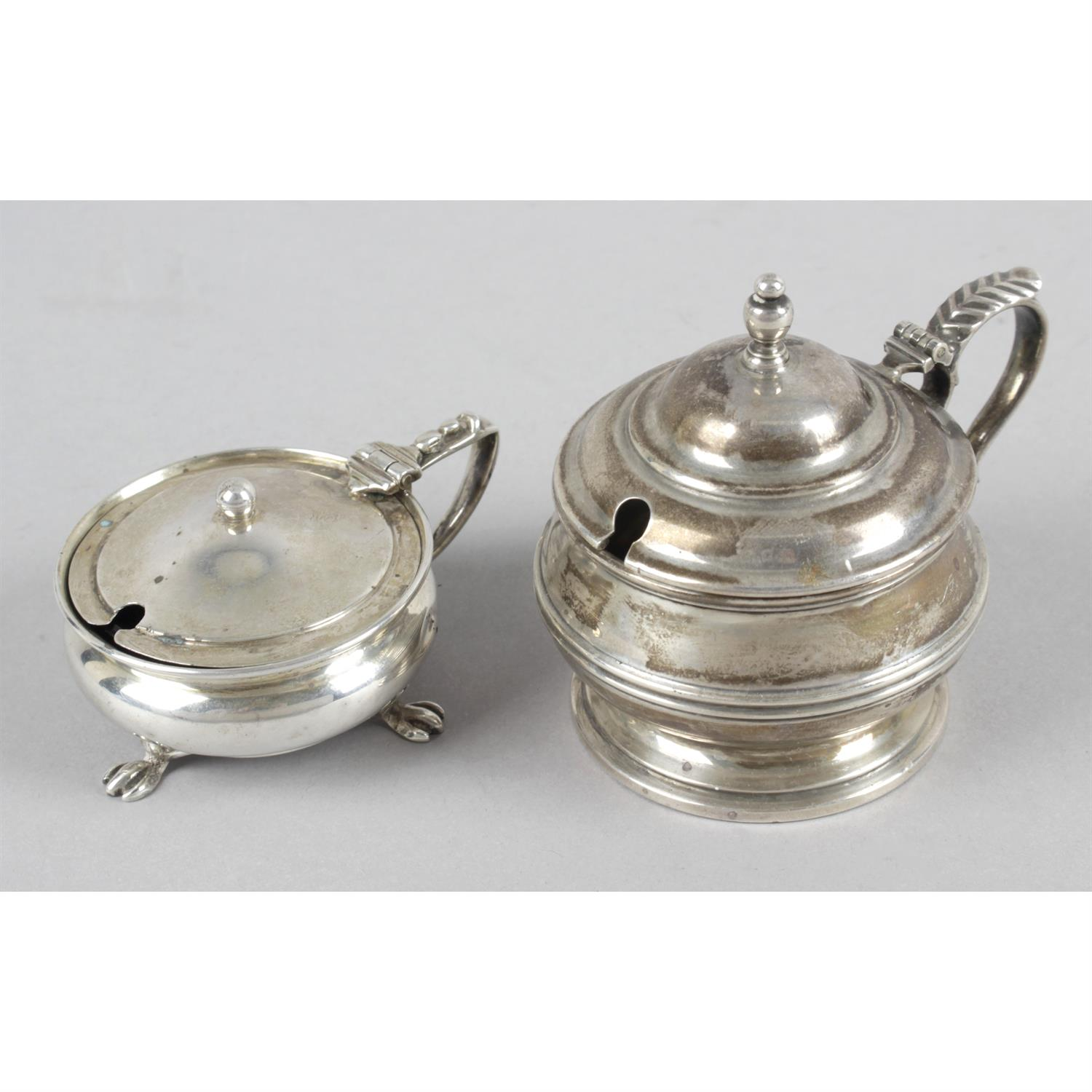 Three early 20th century silver mustard pots, together with a later example. (4). - Image 4 of 5
