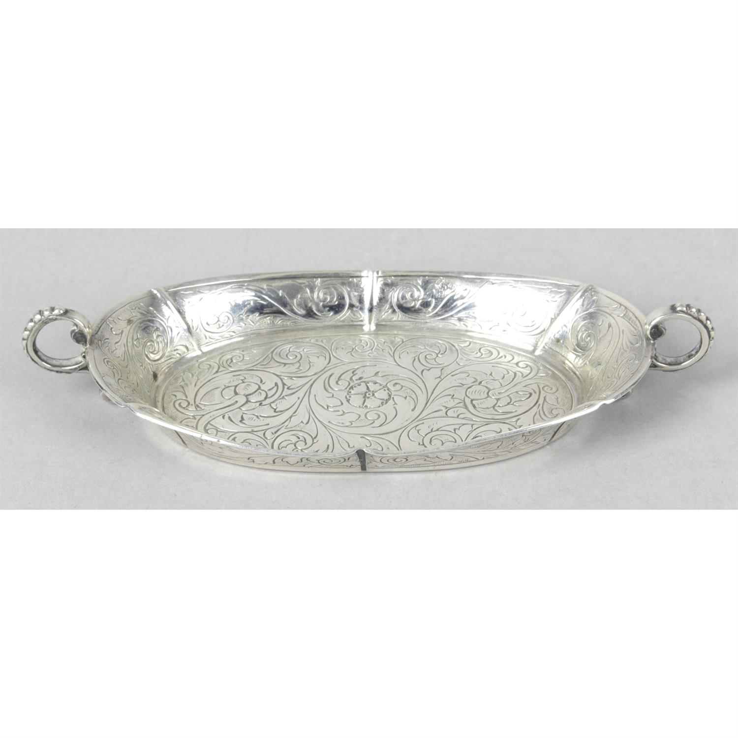 A silver trinket dish, given as a gift with accompanying letter of royal interest.