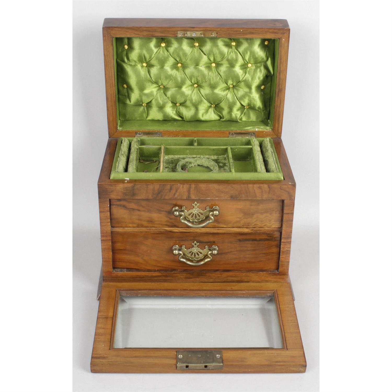 An early 20th century walnut jewellery box - Image 2 of 2