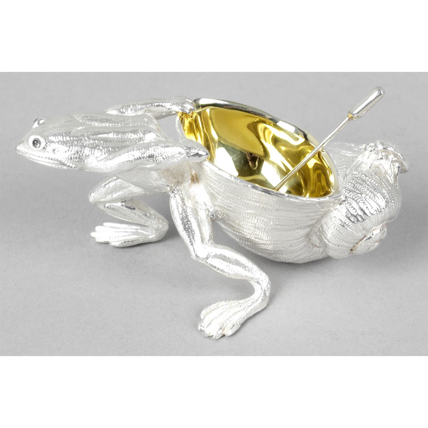A novelty silver open salt modelled as a frog and shell.