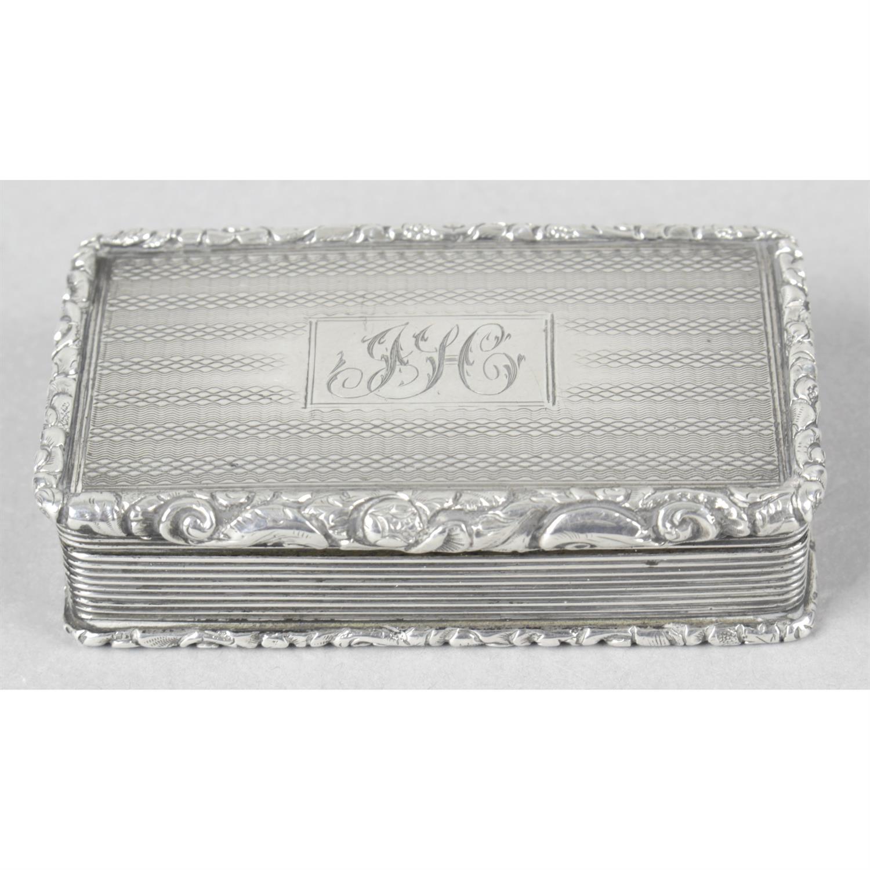 A William IV silver snuff box.