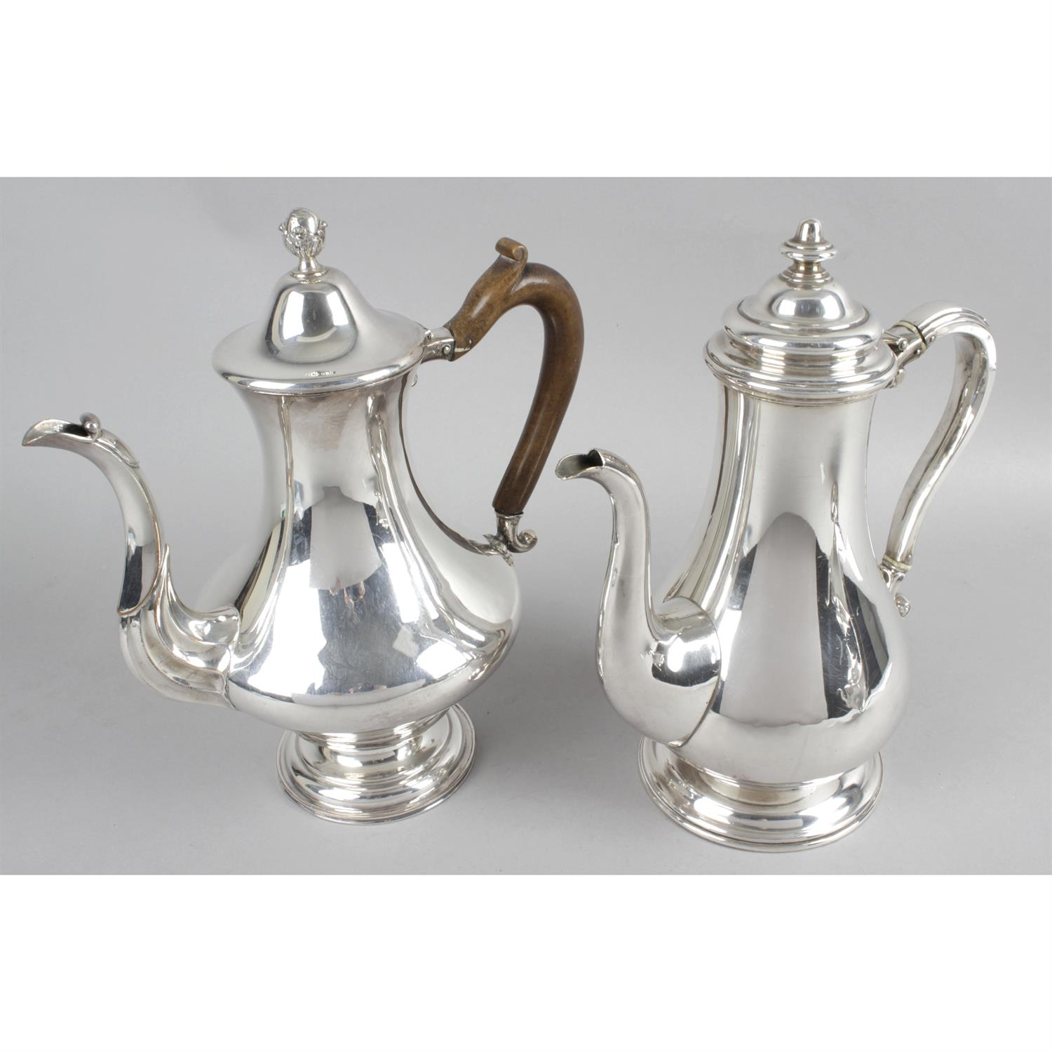 An Old Sheffield plate teapot of vase shape, together with two silver plated coffee pots. (3). - Image 2 of 3