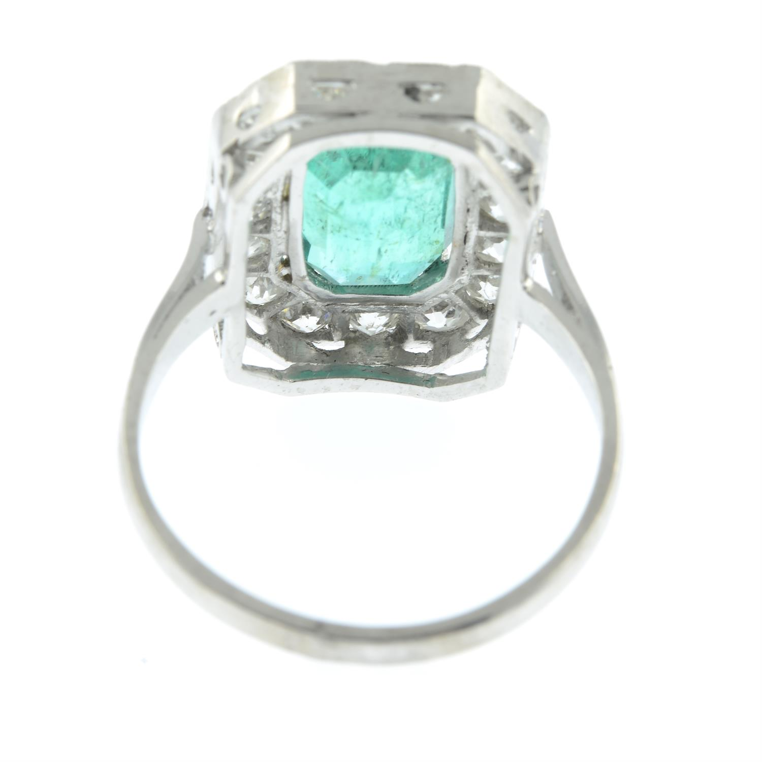 A Colombian emerald and diamond cluster ring. - Image 4 of 6