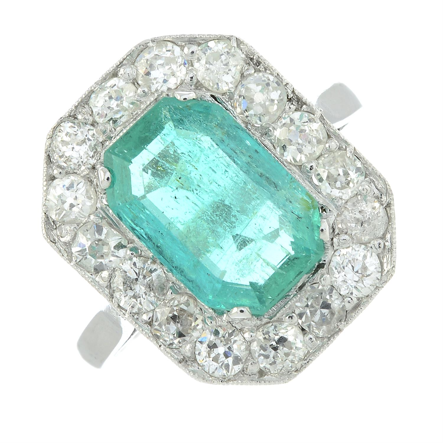 A Colombian emerald and diamond cluster ring. - Image 2 of 6