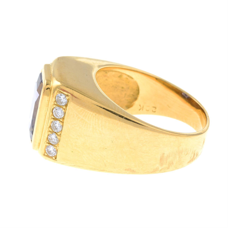 A Sri Lankan colour-change sapphire and brilliant-cut diamond ring. - Image 3 of 7