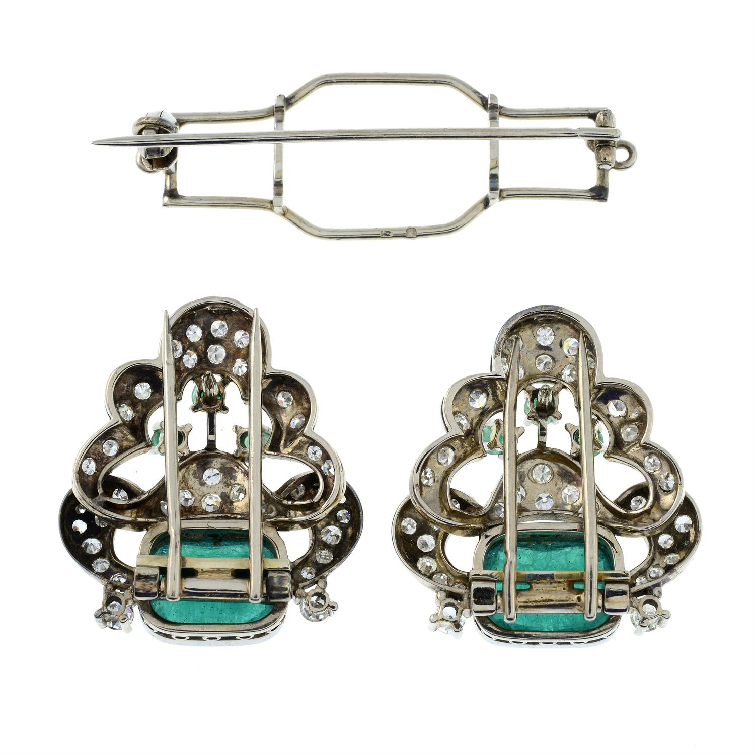 A mid 20th century 18ct gold emerald and diamond double clip brooch. - Image 5 of 6