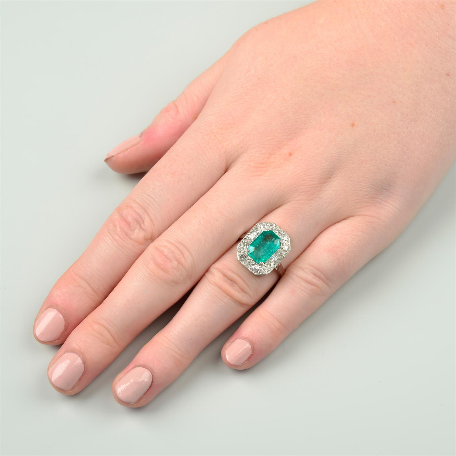 A Colombian emerald and diamond cluster ring. - Image 6 of 6
