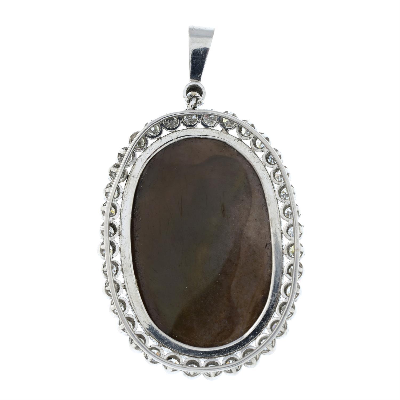 A hardstone cameo pendant, with single-cut diamond surround and surmount. - Image 3 of 5