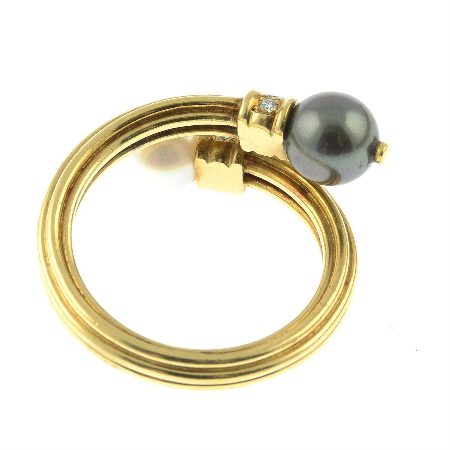 An 18ct gold grooved ring, with vari-hue cultured pearl and brilliant-cut diamond crossover - Image 4 of 5