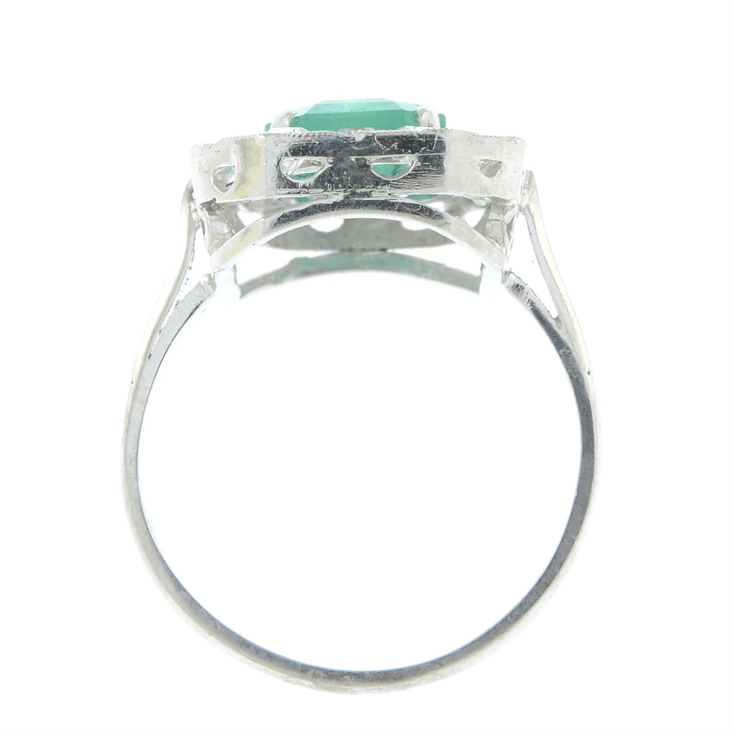 A Colombian emerald and diamond cluster ring. - Image 5 of 6