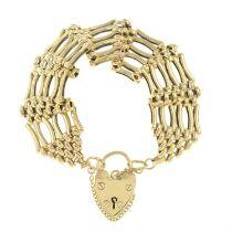 A 9ct gold gate bracelet.