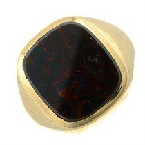 A gentlemans 1960s 9ct gold bloodstone signet ring.