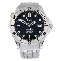 OMEGA - a stainless steel Seamaster Professional 300M bracelet watch, 41mm.