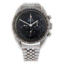 OMEGA - a stainless steel Speedmaster Professional chronograph bracelet watch, 41mm.