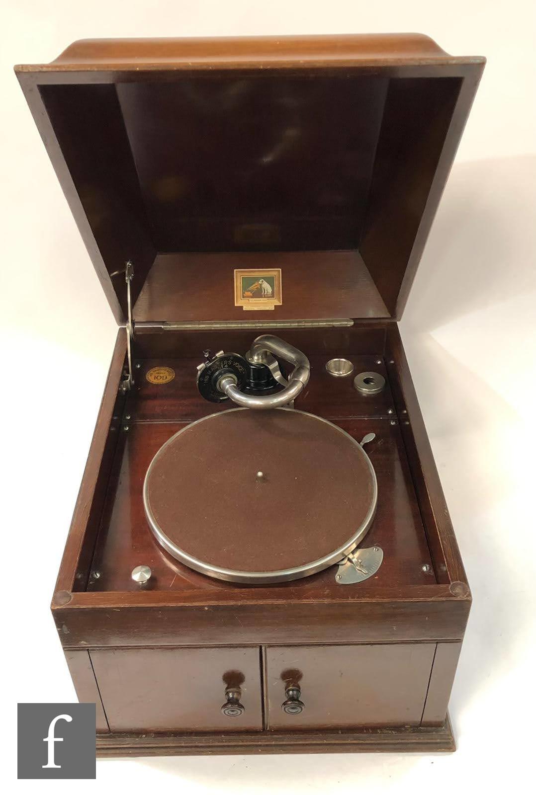 An HMV model 109 mahogany cased table top gramophone, No 4 sound box, width 38cm.