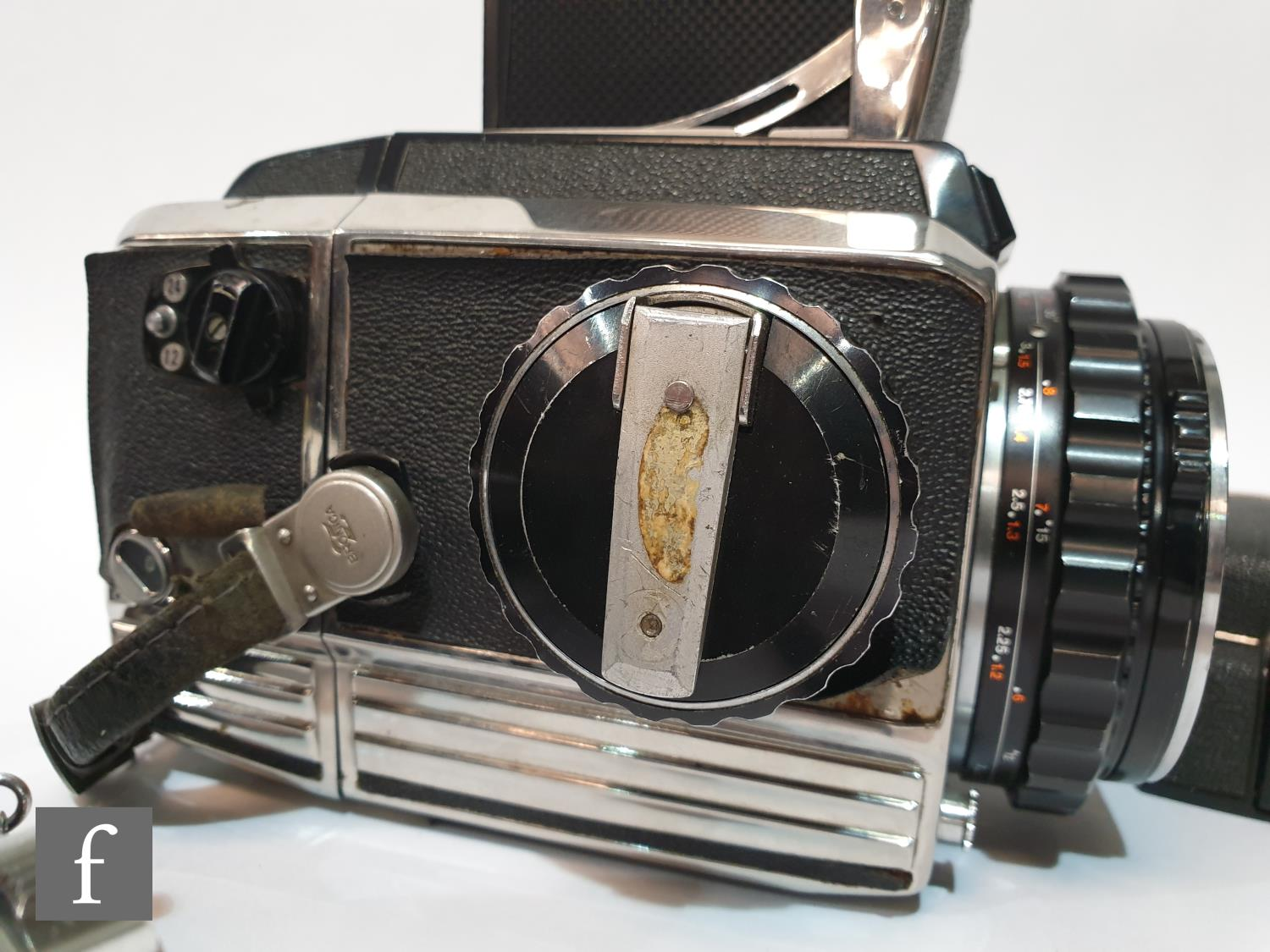 A Zenza Bronica S2 medium format camera outfit, circa 1965, comprising body serial number 75237, - Image 2 of 3