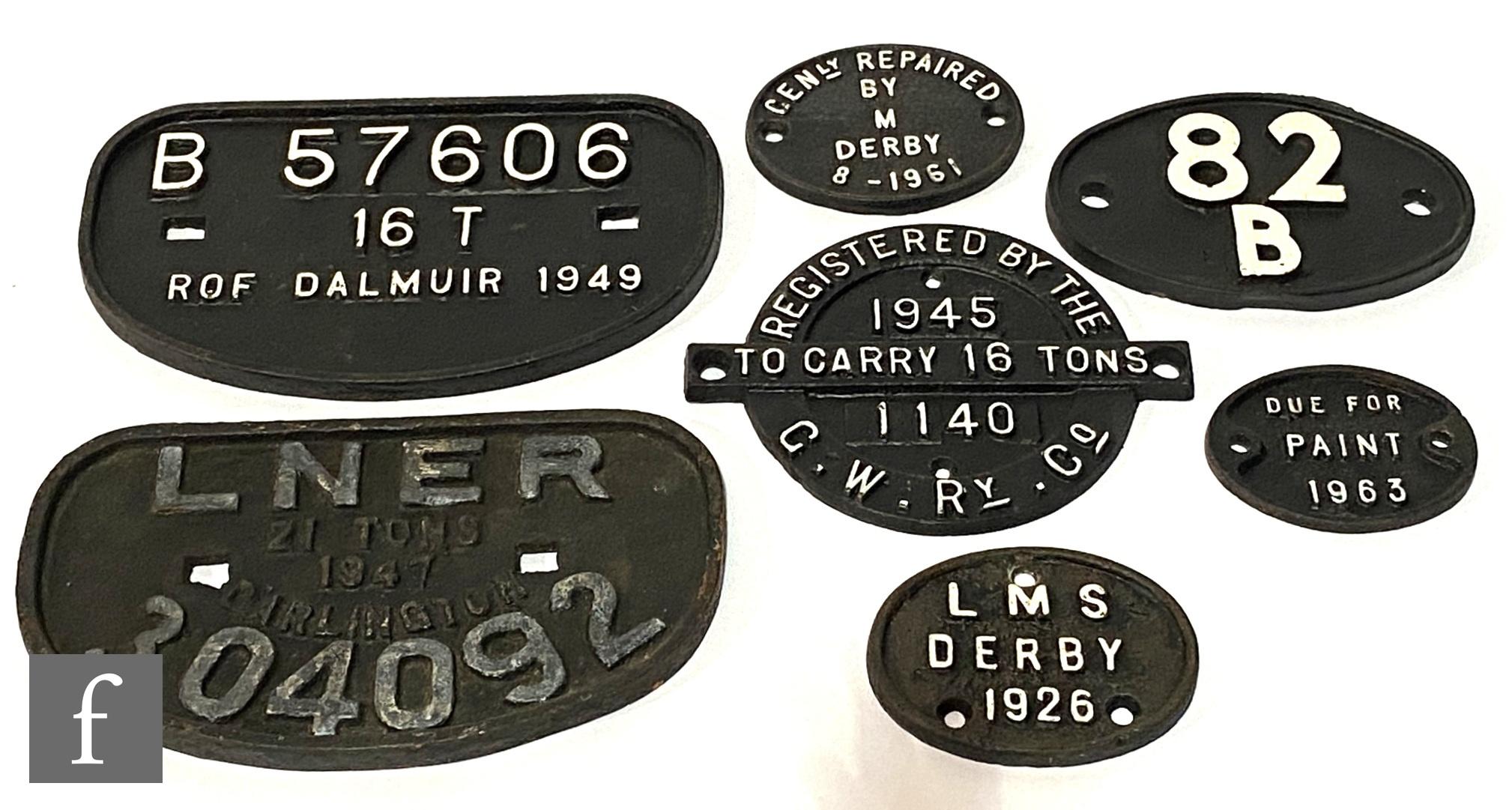 Various railway wagon plates LNER Darlington No 304092, another B 57606, 16T, ROF Dalmuir 1949, a