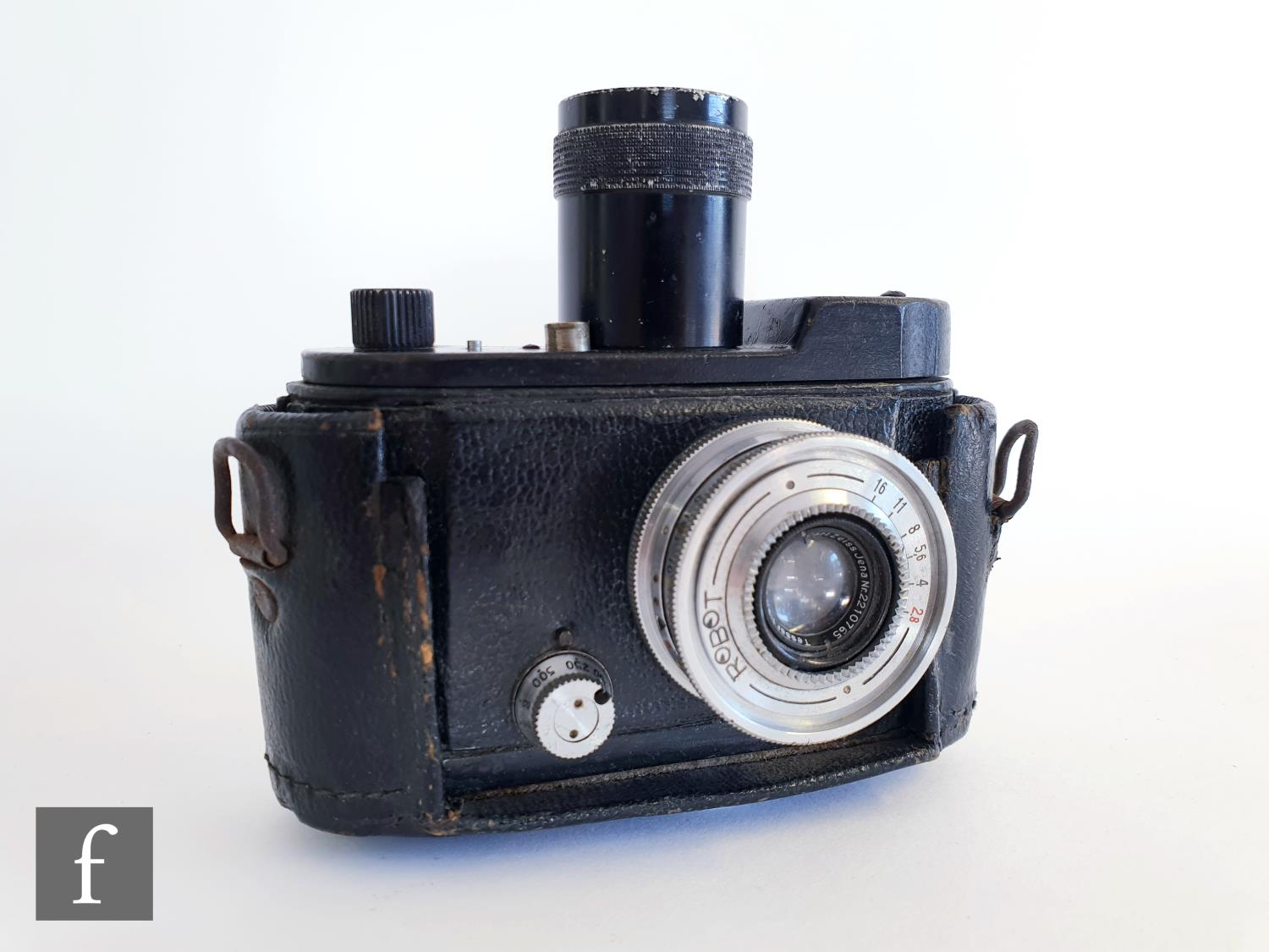 A Robot camera with Carl Zeiss lens serial No 2210765, in black leather case stamped to top for