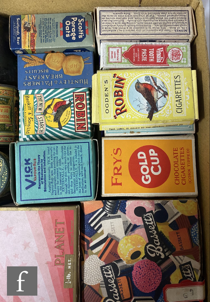 A collection of early 20th Century packaging, mostly miniature sample tins and similar, collated - Image 3 of 4