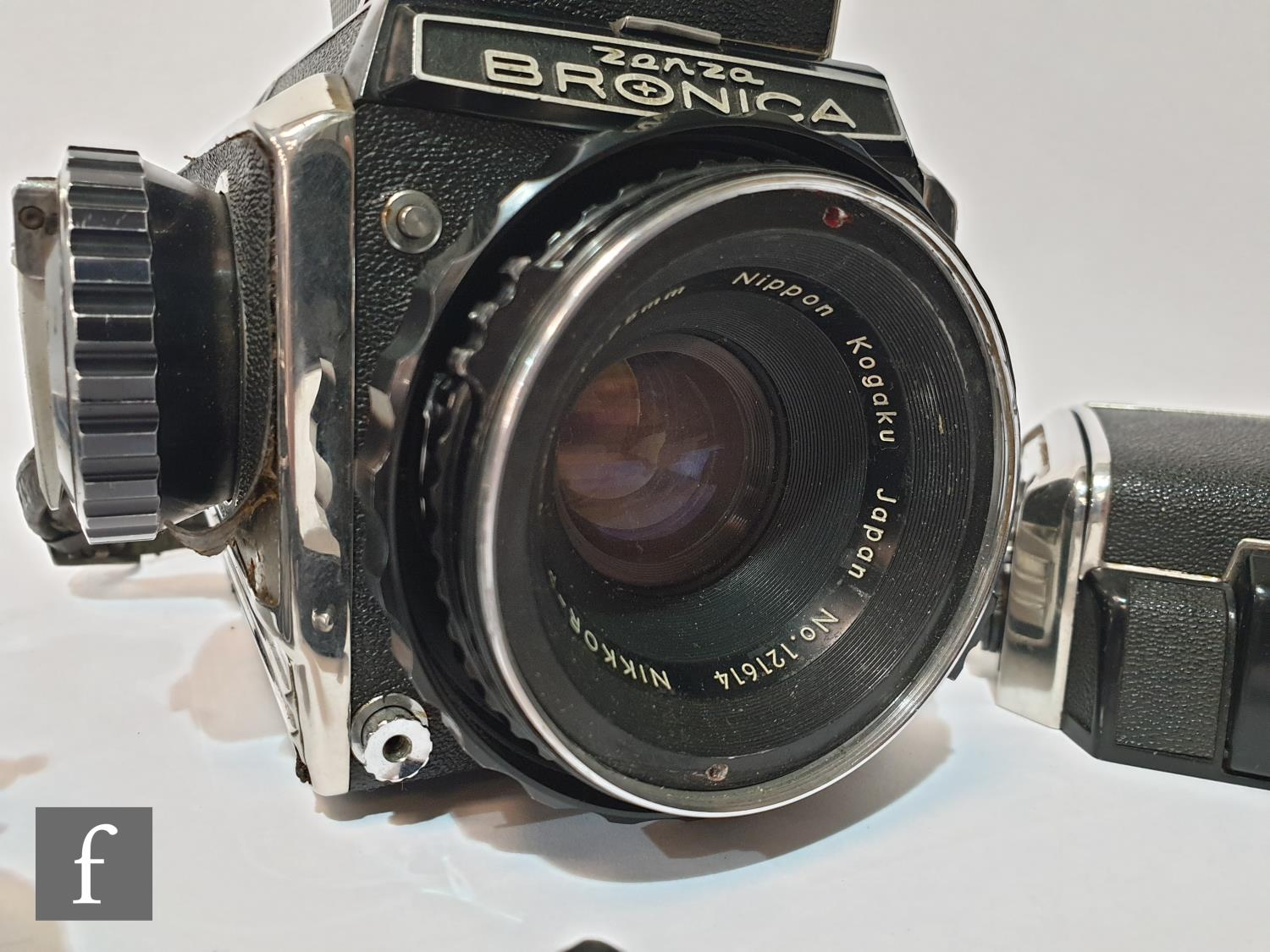 A Zenza Bronica S2 medium format camera outfit, circa 1965, comprising body serial number 75237, - Image 3 of 3