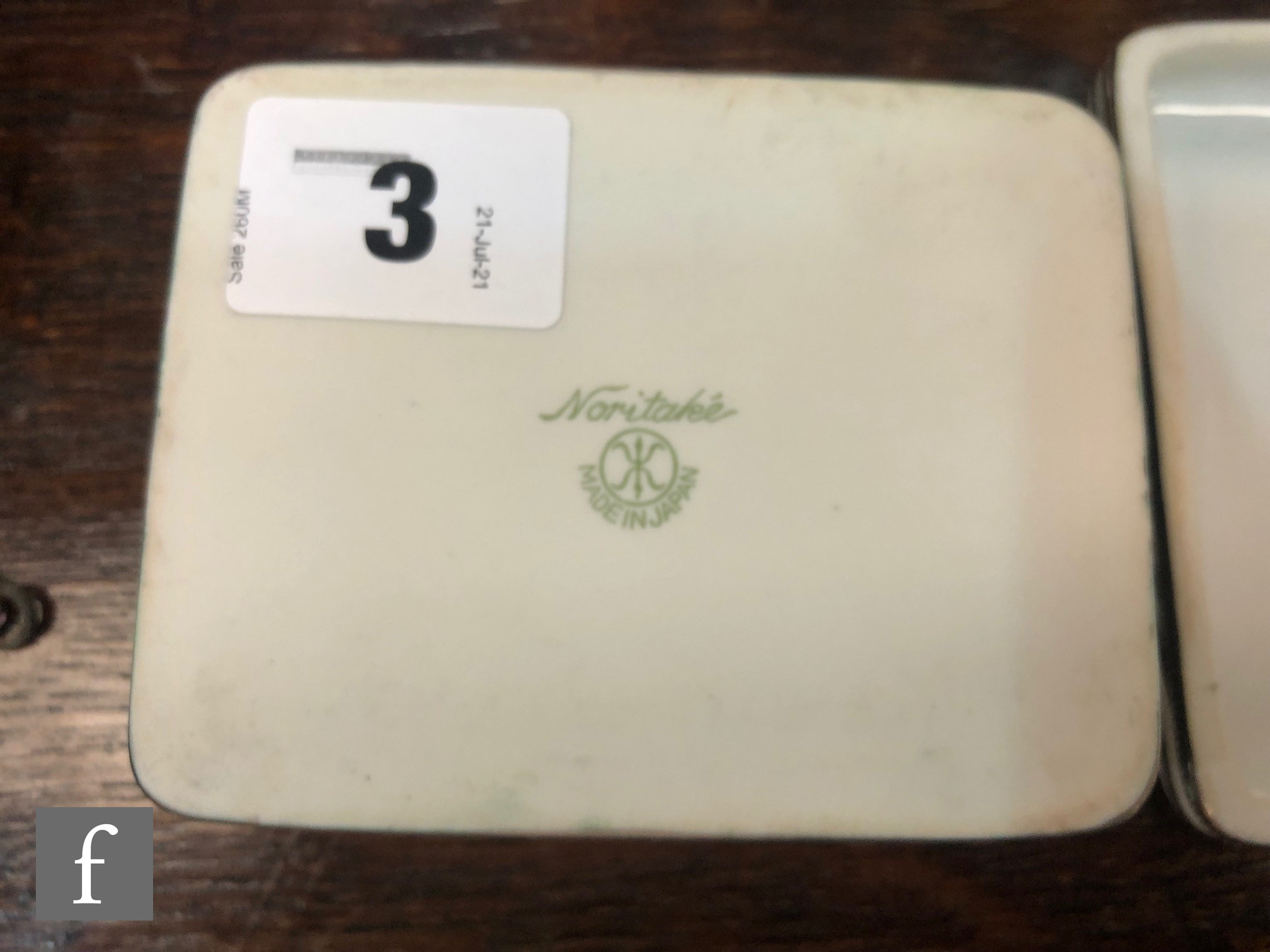 A Noritake rectangular box and cover decorated in the Art Deco style with silver lustre decoration - Image 4 of 4