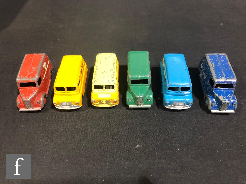 A group of Dinky diecast model vans, comprising 453 (31d) Trojan Van 'Beefy Oxo', 452 (31c) Trojan
