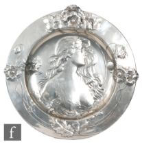 WMF (Wurttembergische Metallwarenfabrik) - An early 20th Century circular pewter charger