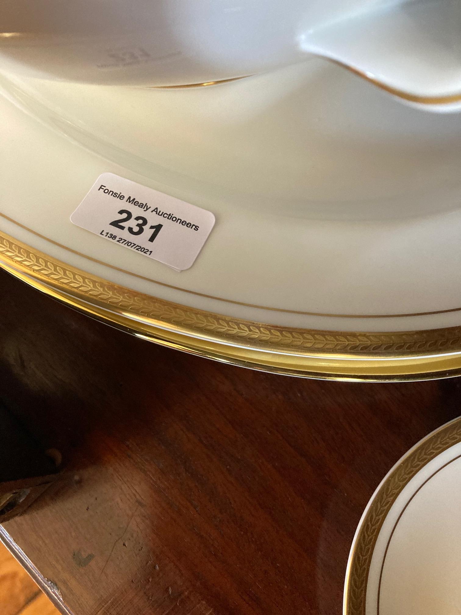 A fine Belleek Presentation Dinner, Tea, Coffee Service By Aynsley - Image 5 of 7